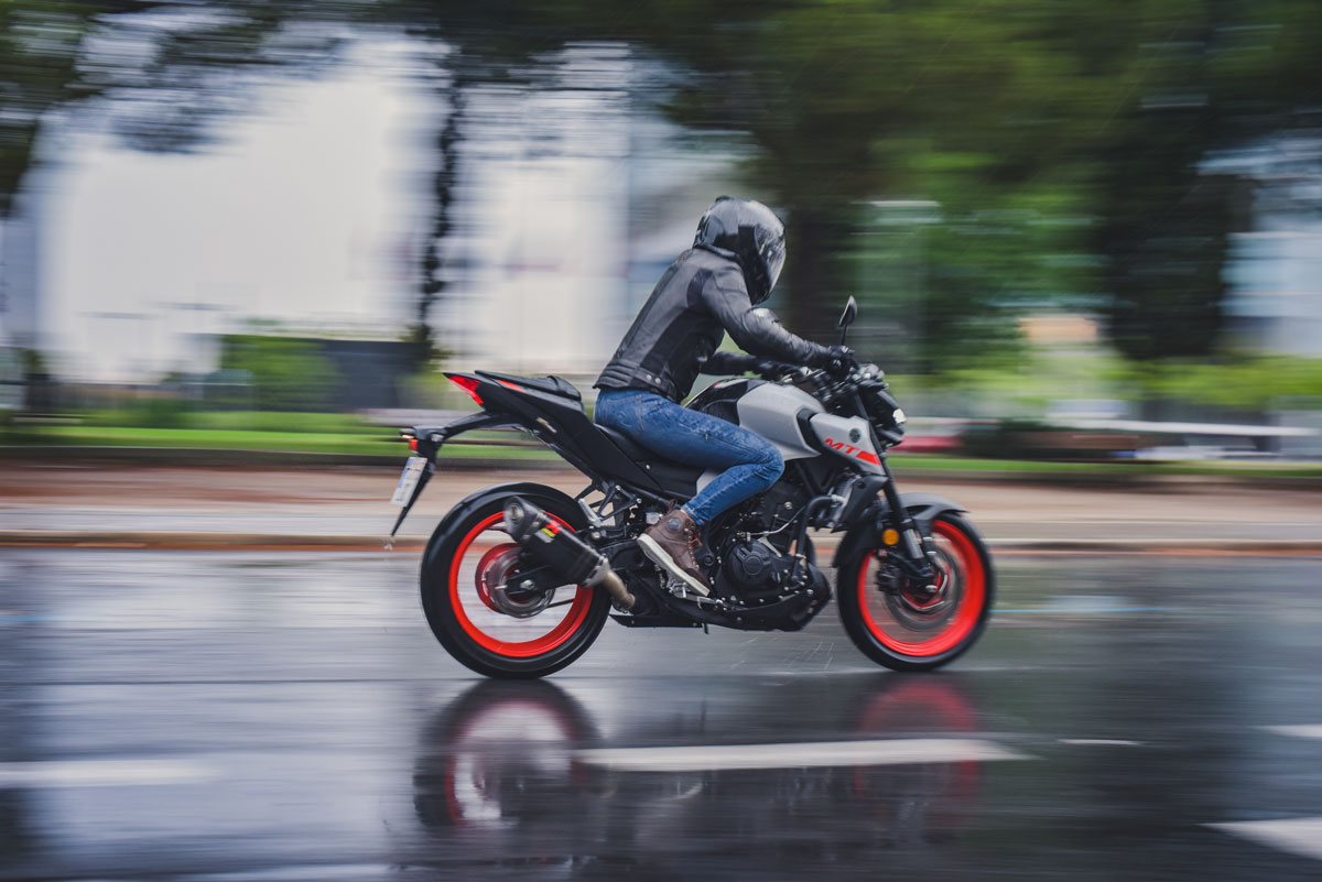 Prueba Yamaha MT03