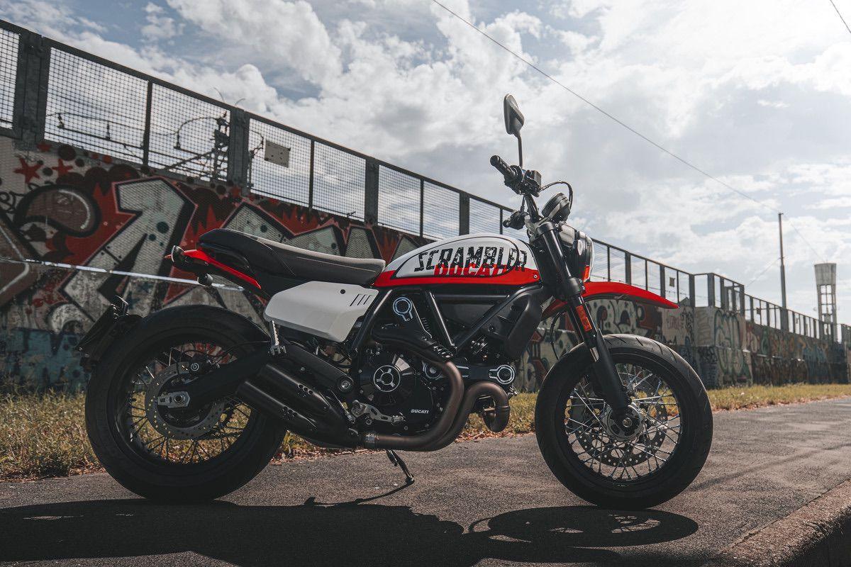 Nuevas Ducati Scrambler 2022: 1100 Tribute Pro y 800 Urban Motard