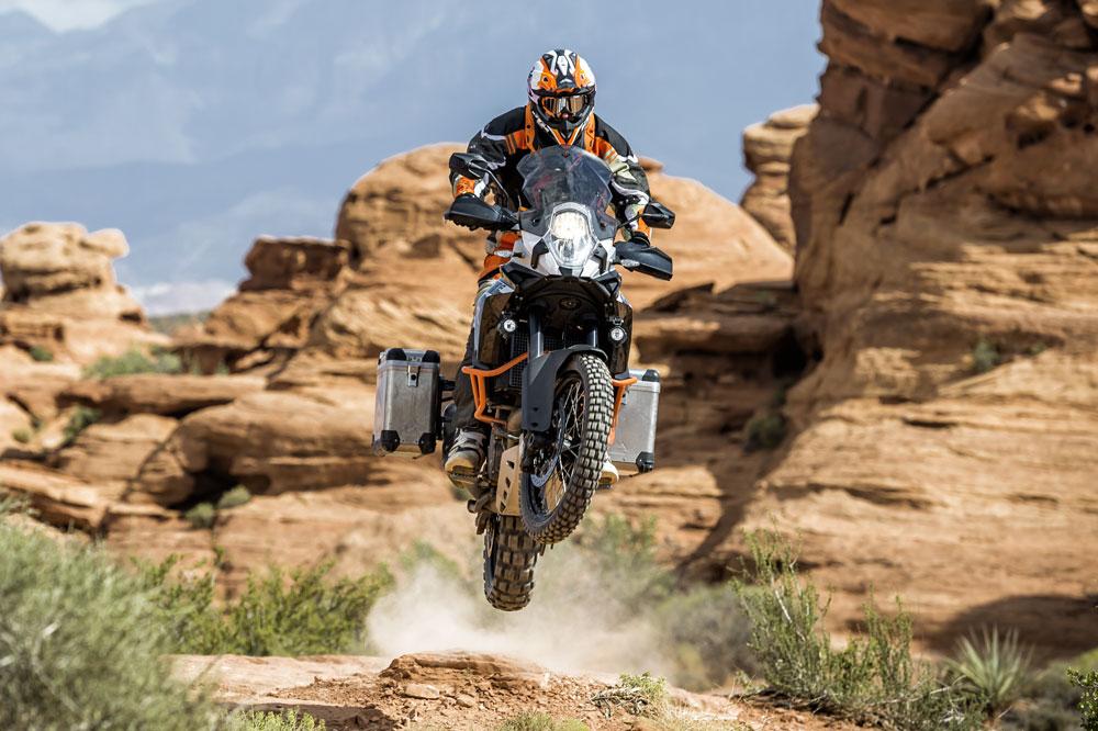 Como elegir un neumático de trail para moto