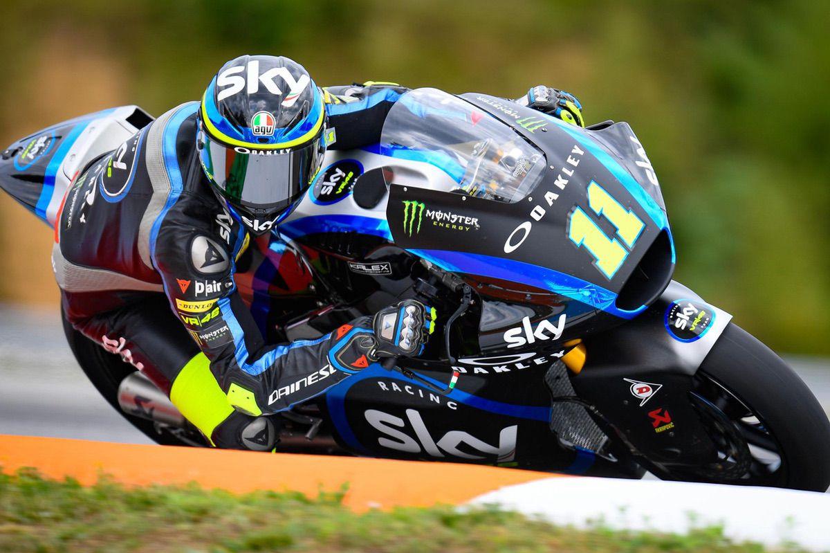 Nicolo Bulega durante los entrenamientos del viernes del GP de República Checa
