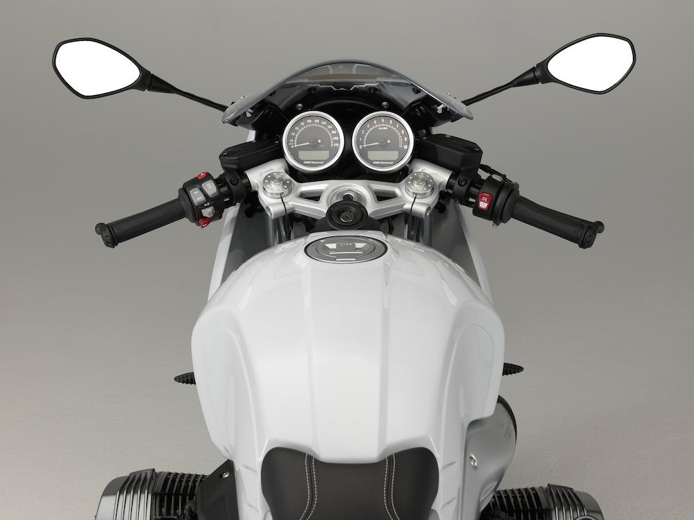 NineT Racer vista
