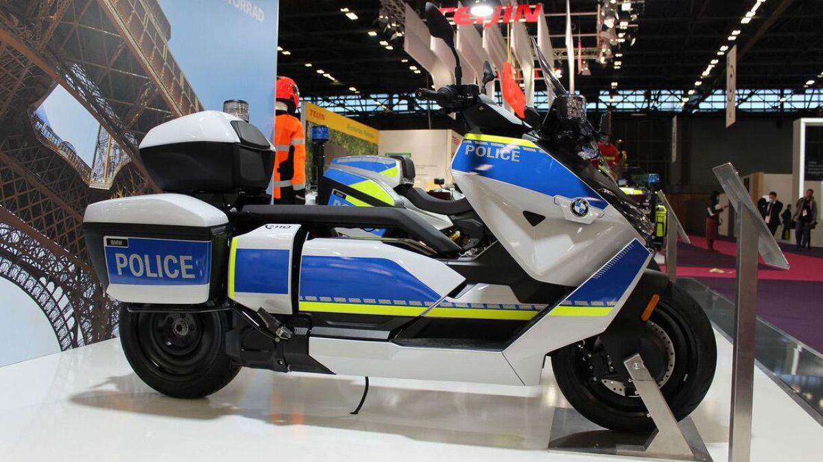 Nuevas BMW para la policía: F 900 XR y scooter eléctrico