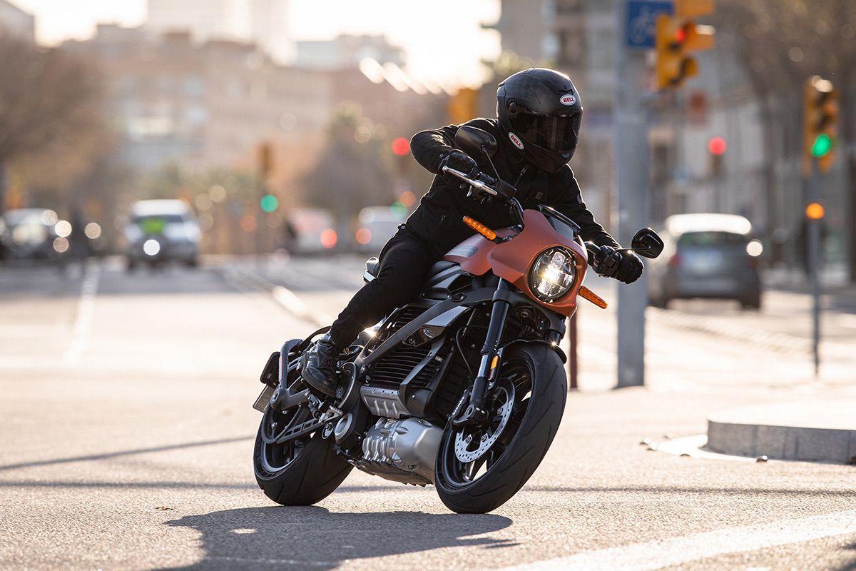 La moto es la solución sí, pero… ¿por qué?