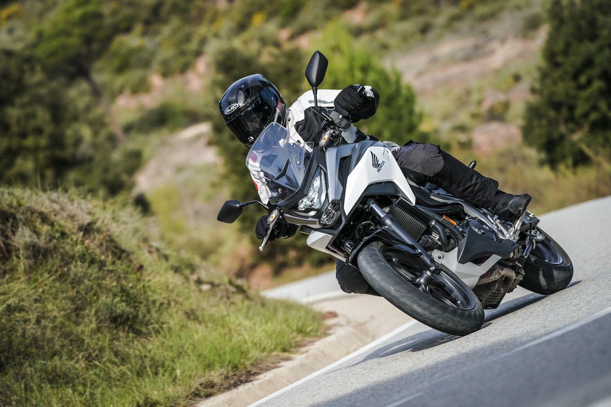 Las mejores motos trail asfálticas  2021 de media cilindrada