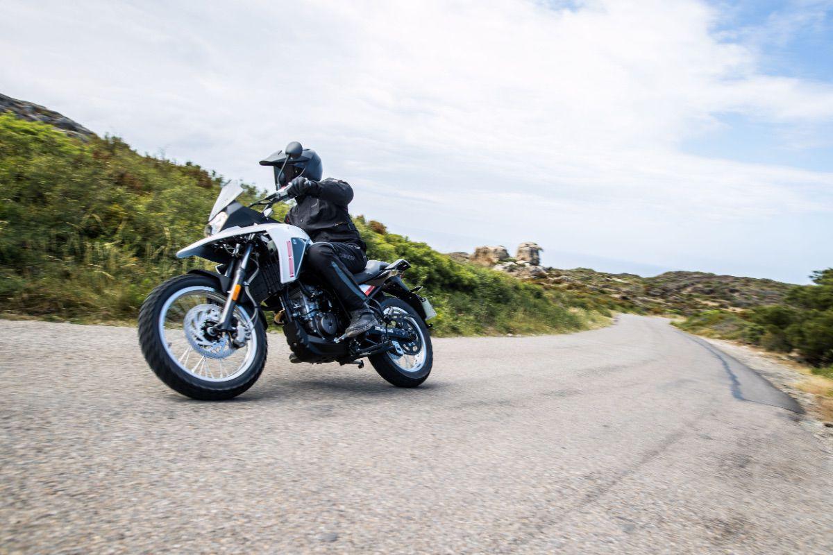 Malaguti Dune 125, una moto trail para el carnet B