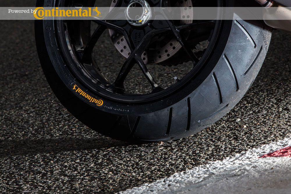 La presión de los neumáticos de nuestra moto afecta a la seguridad