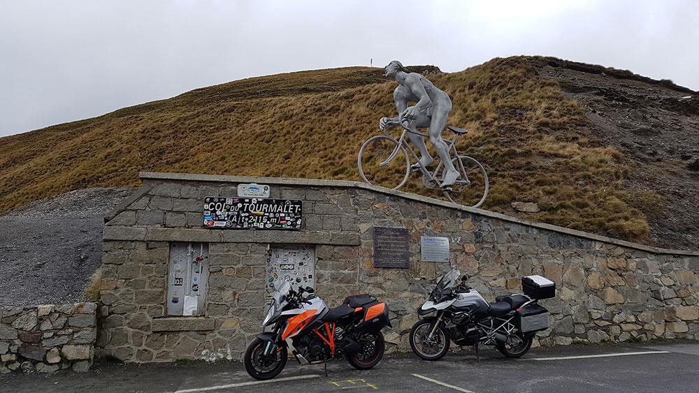 Turismo: Los puertos de los Pirineos en moto