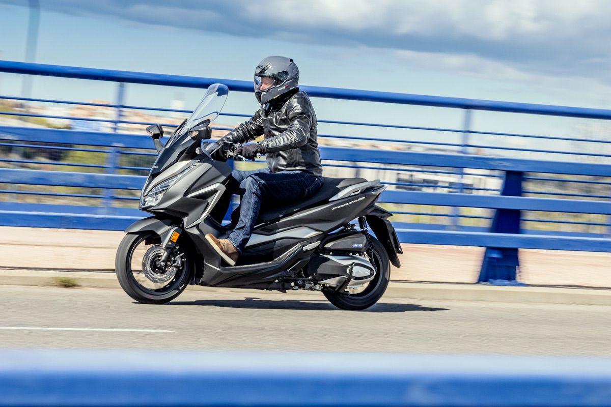 Prueba Honda Forza 350: Solución definitiva premium