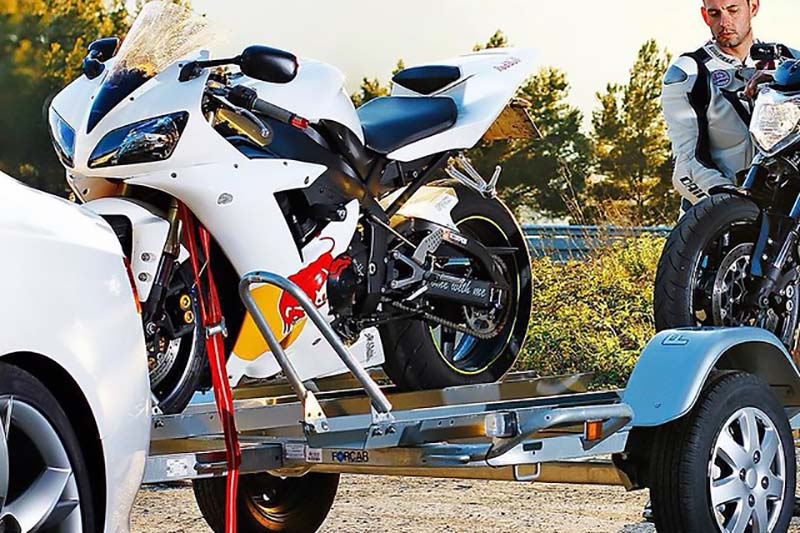 Cómo Transportar La Moto Remolques Furgones Y Furgonetas Moto1pro