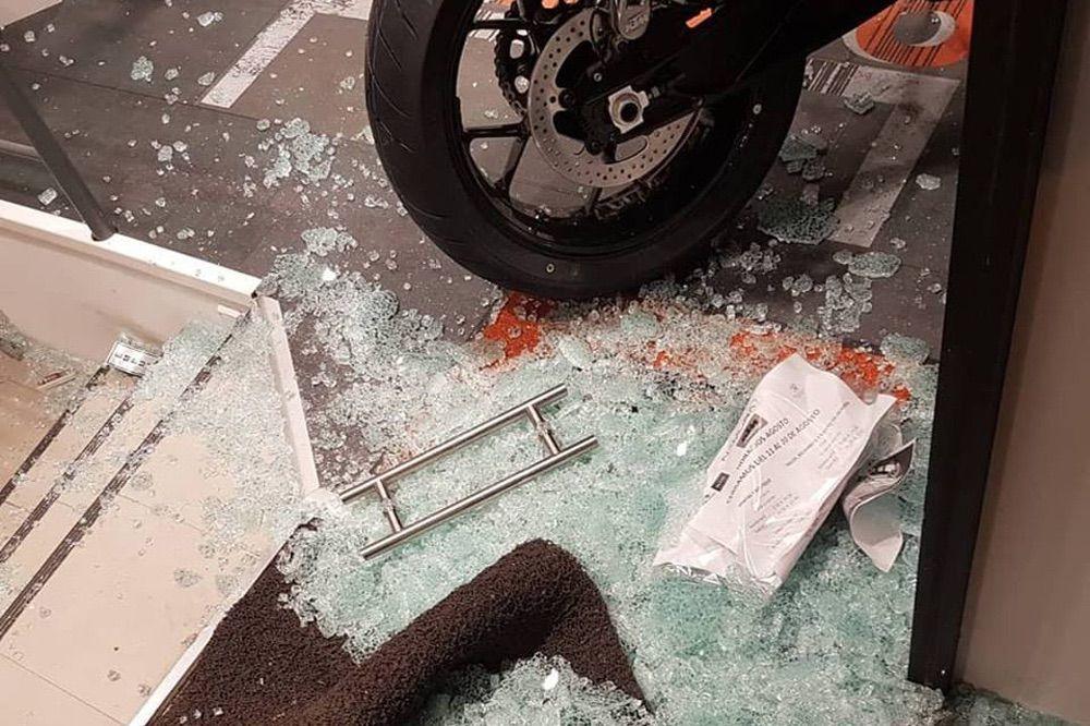 Robo de motos por alunizaje en el concesionario de Madrid Namura