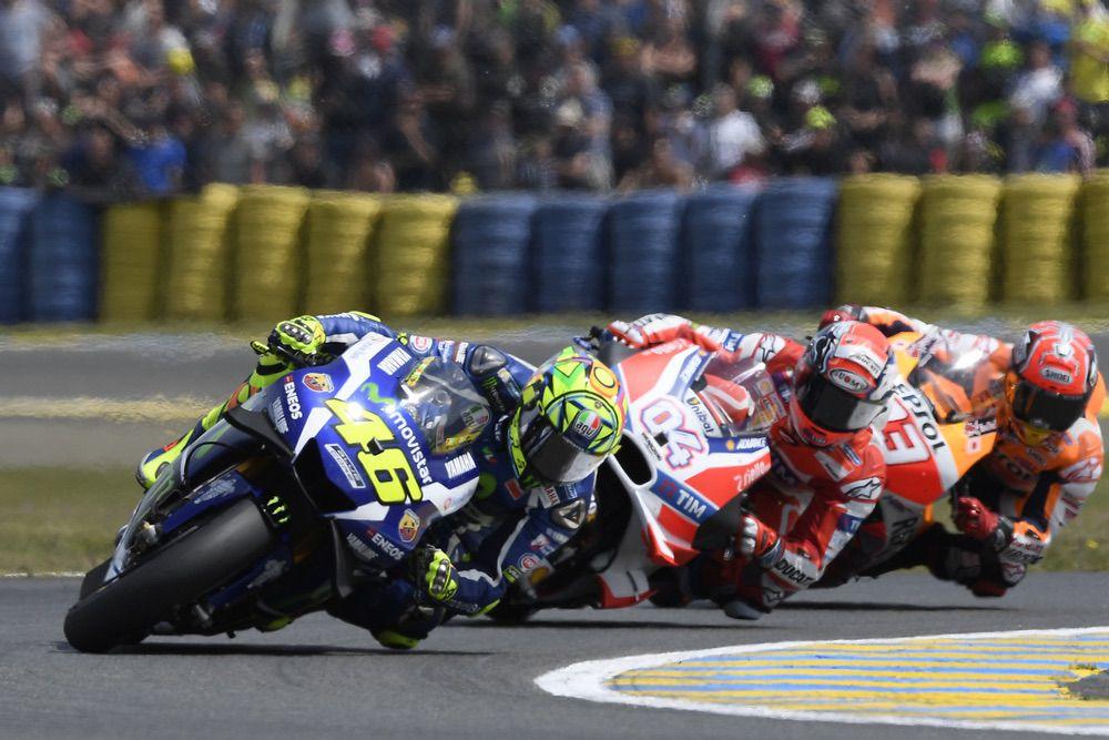 Valentino Rossi supera a Dovizioso y Marquez en el GP de Francia