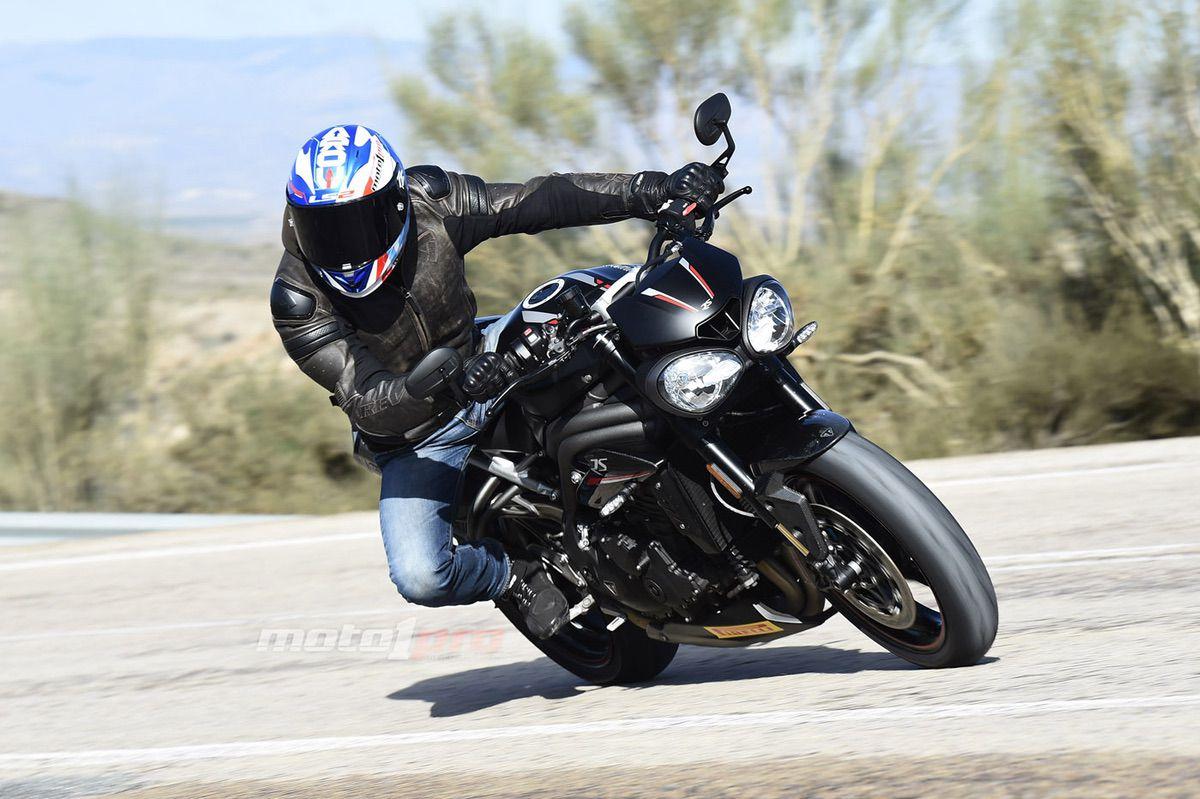 speed_triple_1050_2018_calle_revit