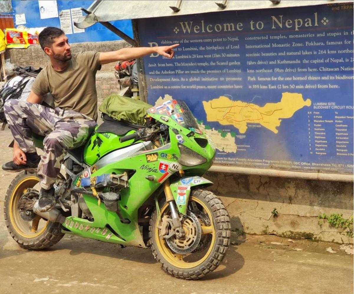 La moto no es excusa: Recorriendo España en Vespino y el mundo en una Ninja