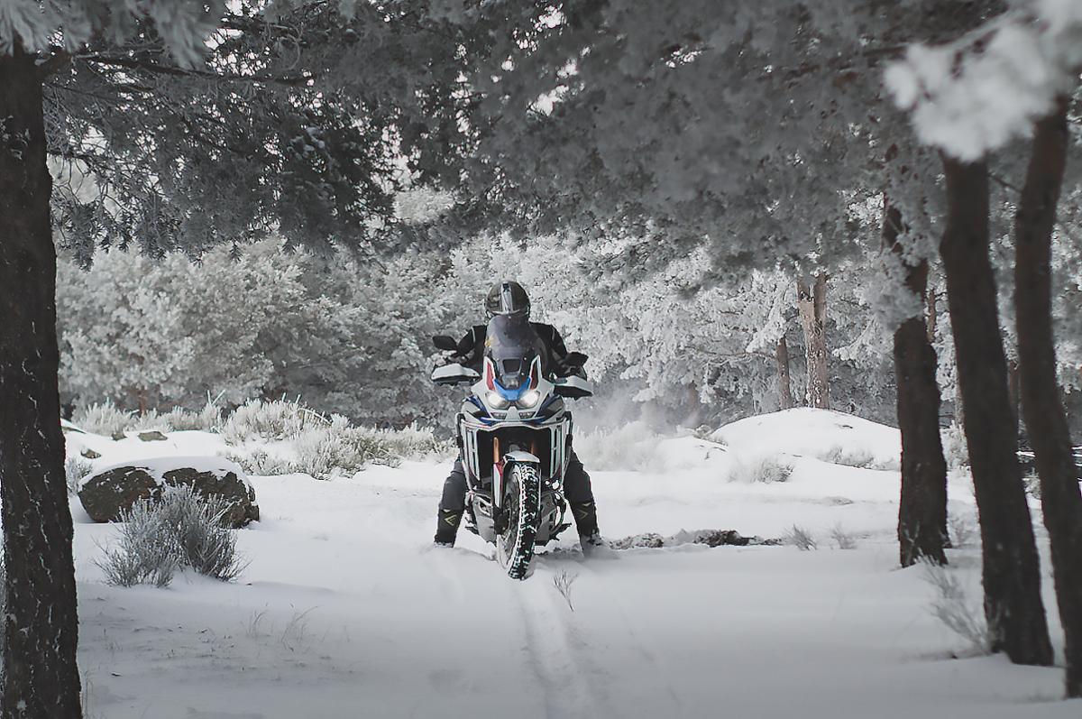 Tu opinión cuenta: ¿La moto es solo para el buen tiempo?