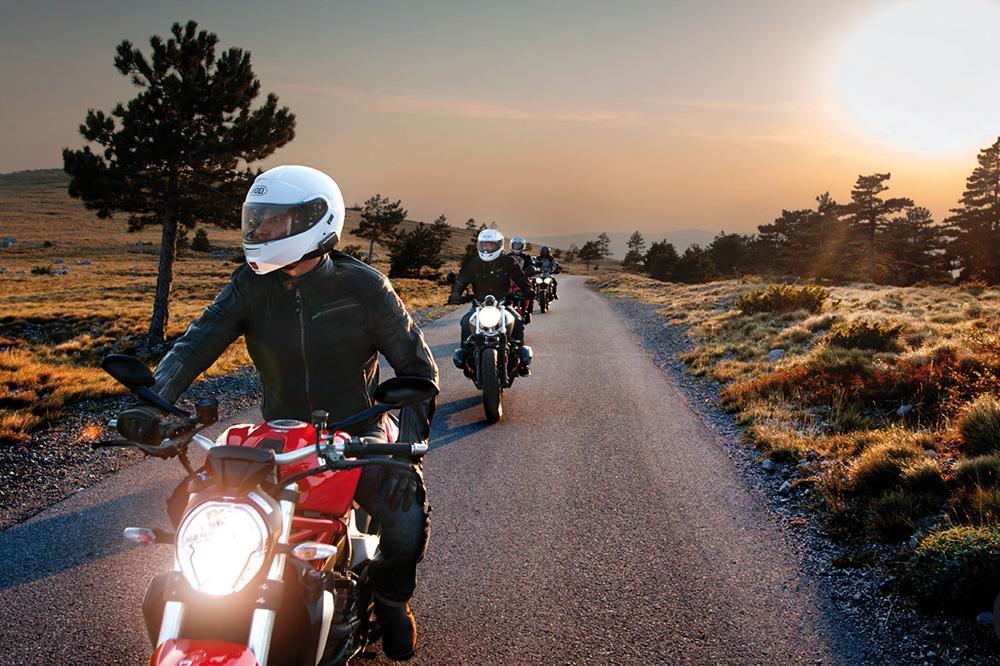 Intercomunicadores de moto: ventajas, legalidad y elección