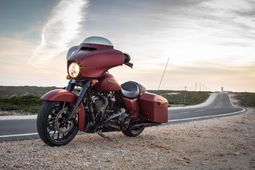 Harley Davidson Street Glide 1