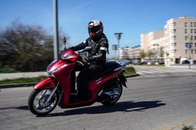 Prueba Honda SH350i: Más que un scooter
