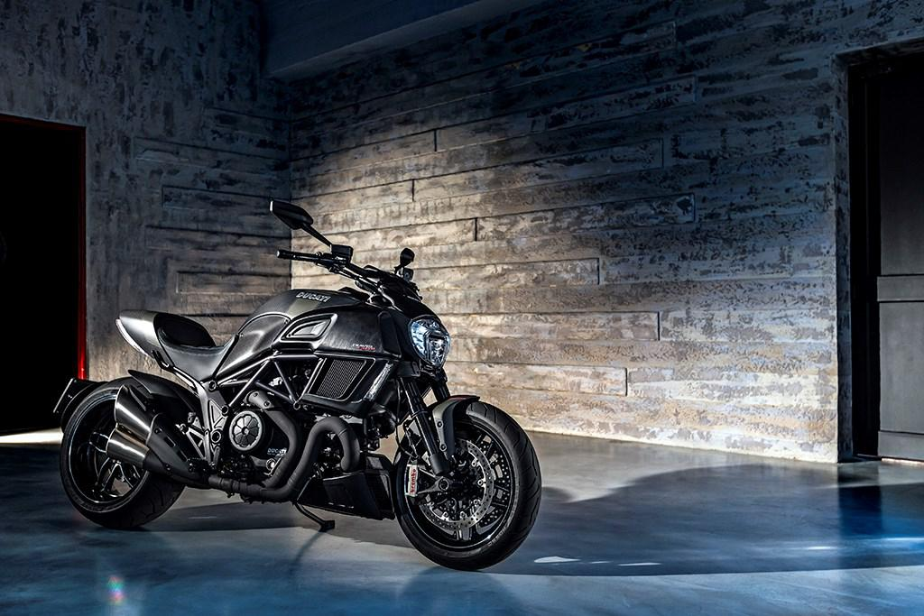 Ducati Diavel Carbon 2016