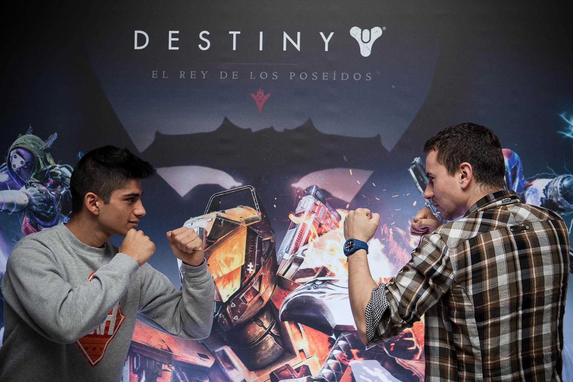 Jorge Martín y Jorge Lorenzo presentando el videojuego Destiny