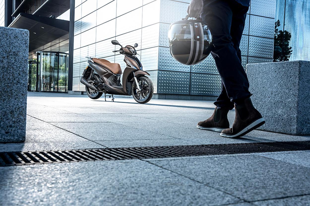 Barcelona reduce el espacio de las motos en sus calles