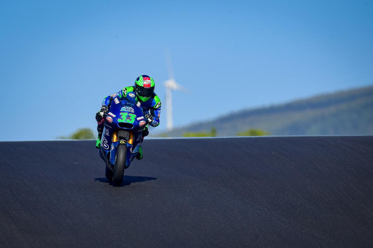 Bastianini se lleva el título de Moto2