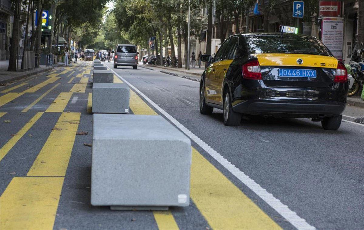 Trampas en Barcelona para ciclistas y motoristas
