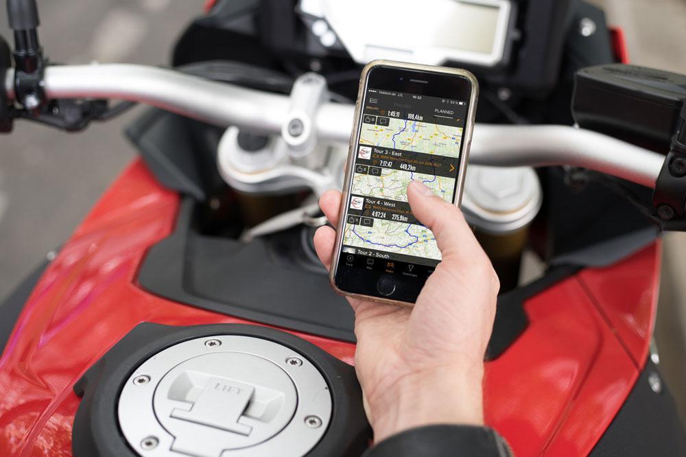 La comunidad de rutas en moto Rever se una a BMW