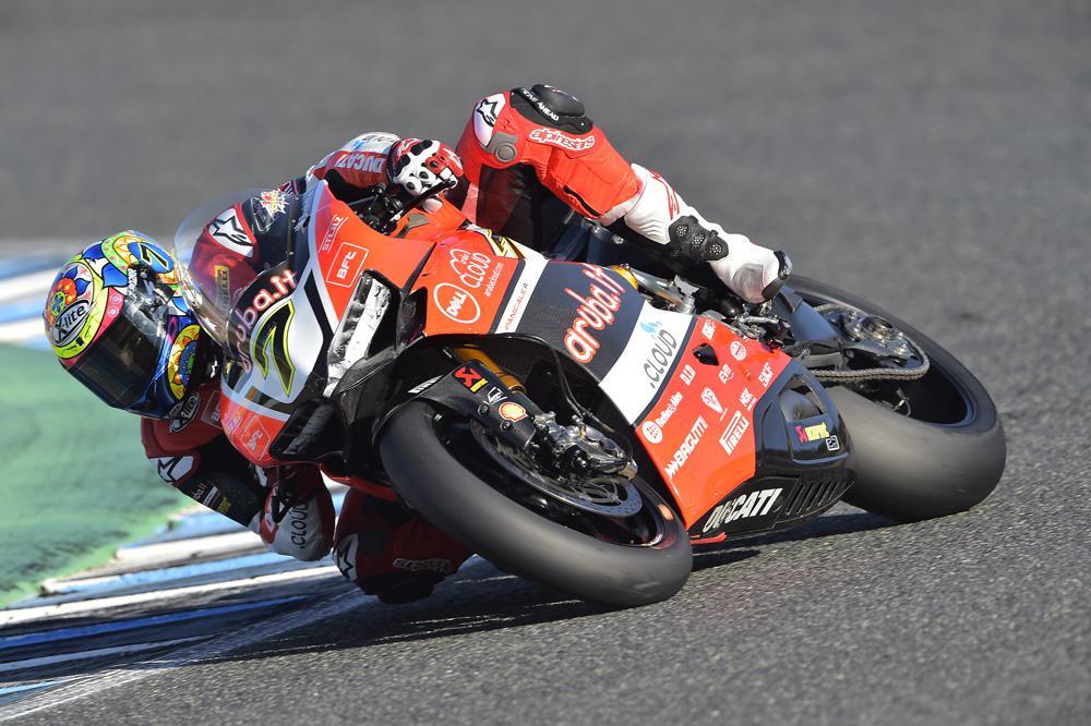 Victoria de Chaz Davies en la primera carrera de SBK Jerez
