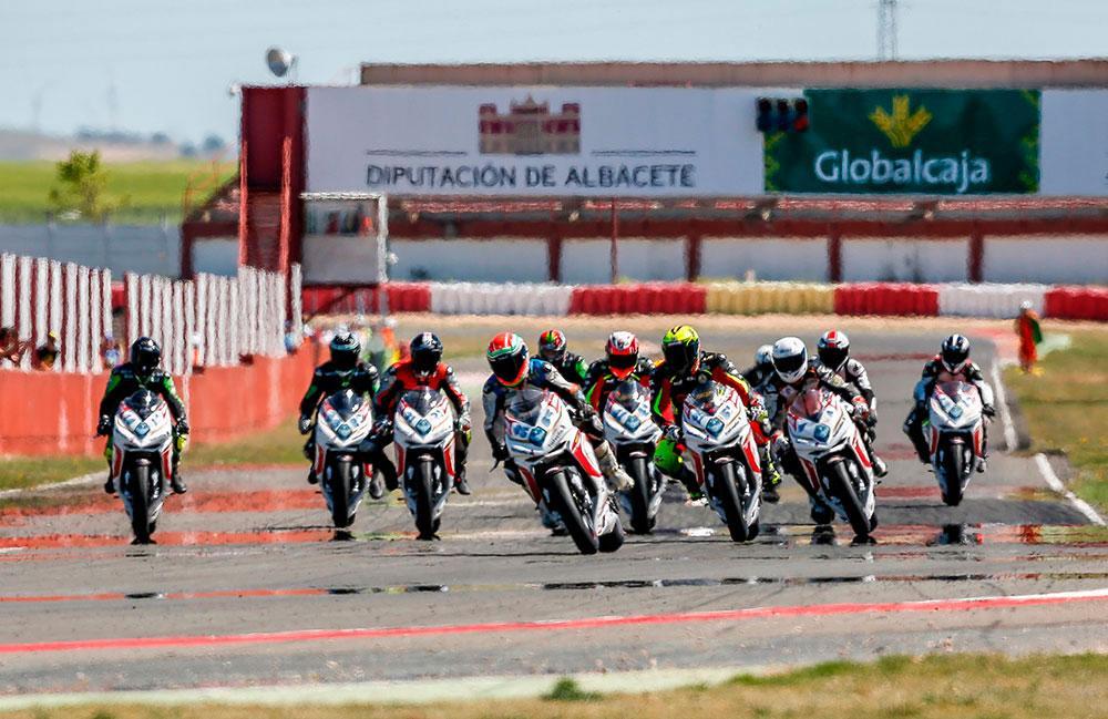 Comienza la Coppa Monomarca MV Agusta F3