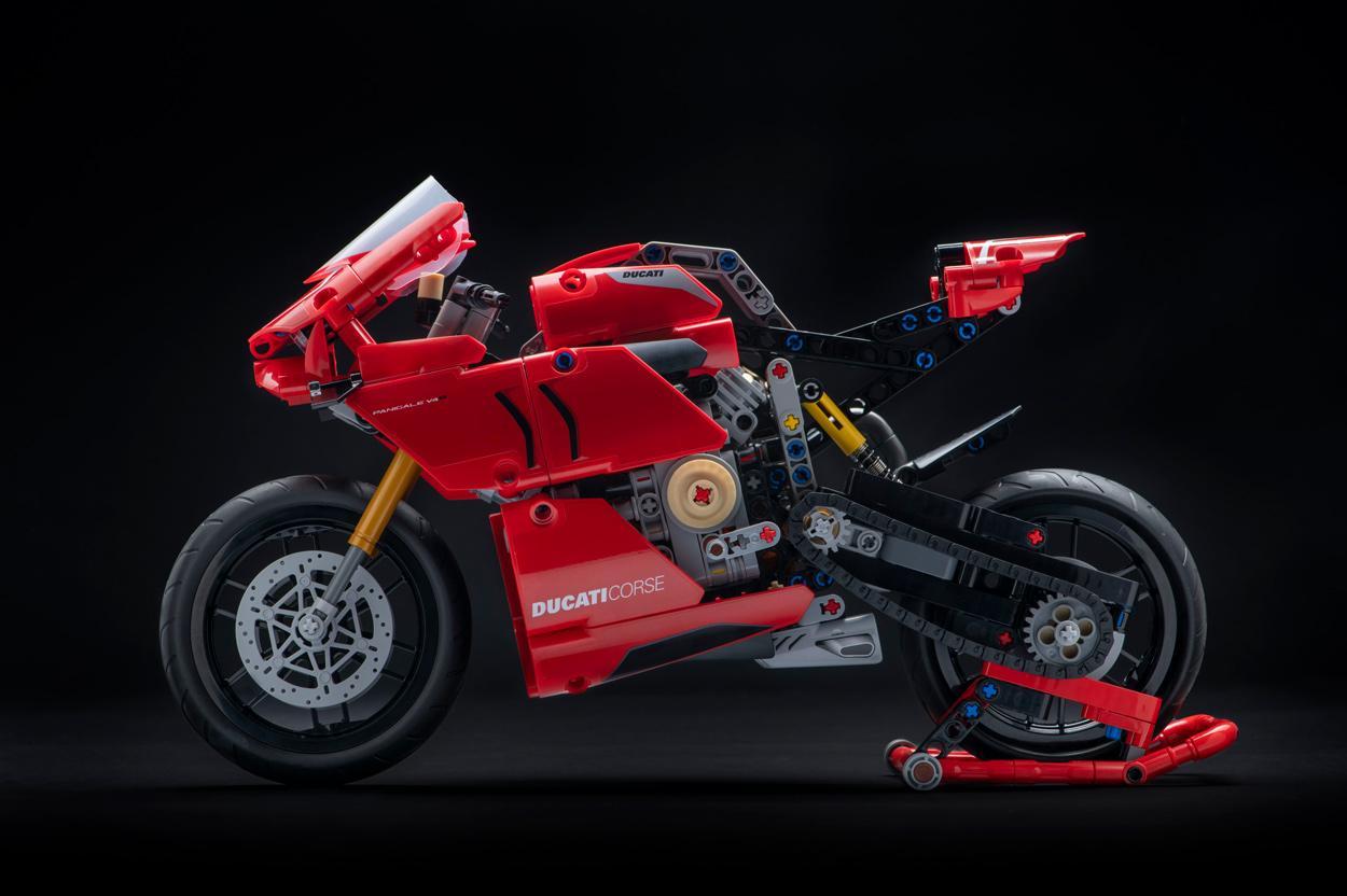Ducati Panigale V4R de Lego