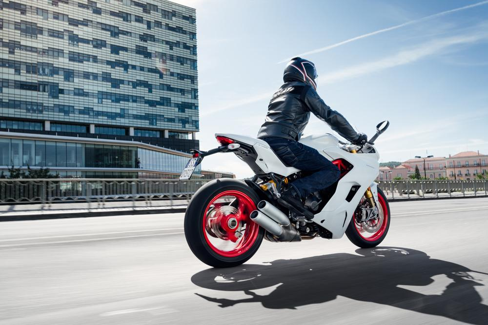 Con el permiso de conducir A se pueden conducir motos deportivas