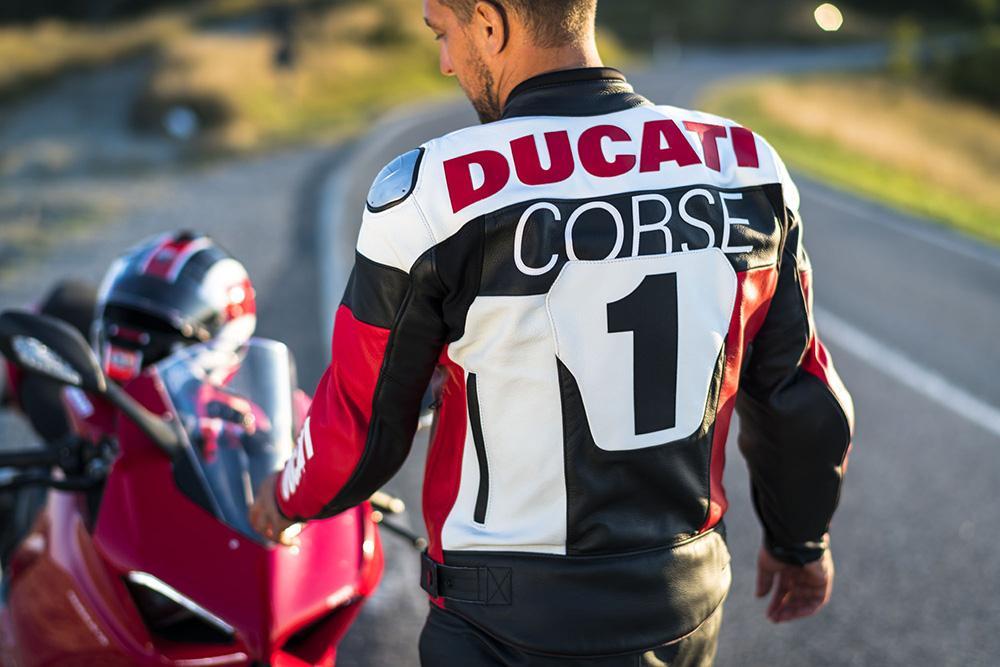 Ducati presenta su colección de Equipamiento Ducati 2021