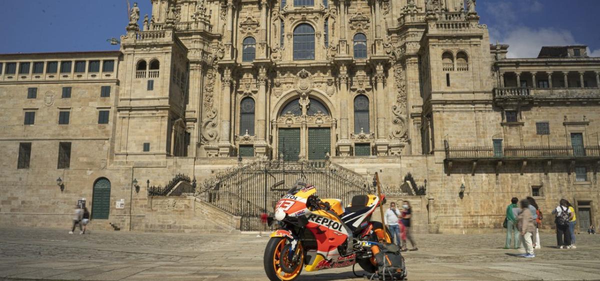 La Honda de Marc Márquez: una peregrina más en el Camino de Santiago