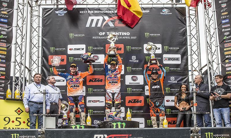 Joge Prado en el podio de MX2 Pietramurata 2017