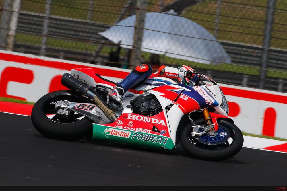 Nicky Hayden gana en SBK en Malasia
