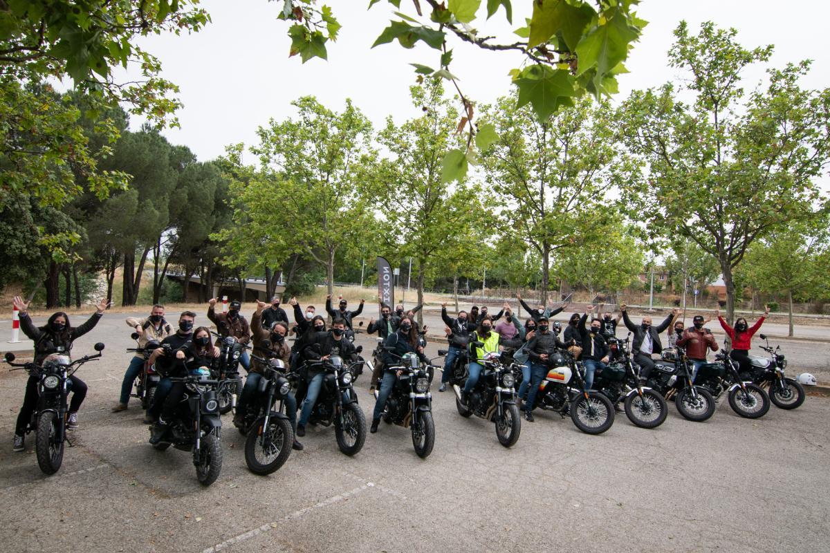 Así fue el primer encuentro entre los motoristas de Brixton en España