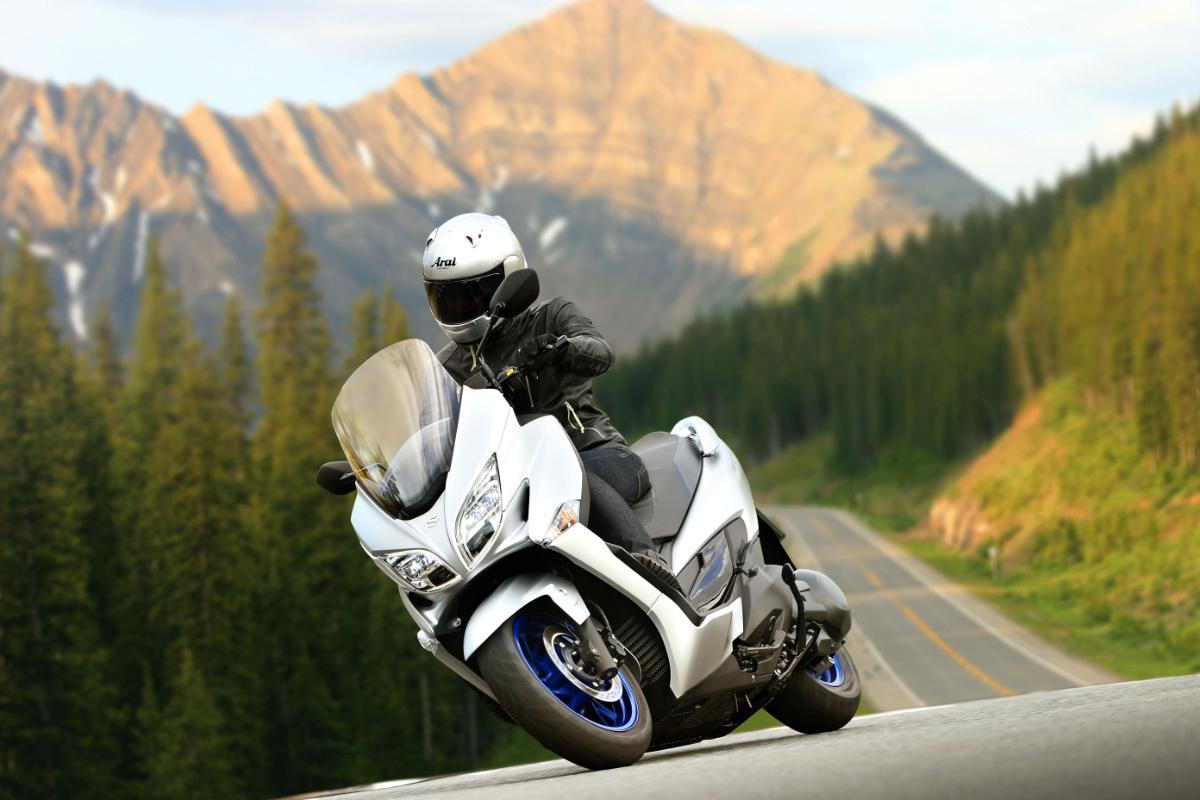 Suzuki Burgman 400 2021: renovado y en oferta por 7.595 euros