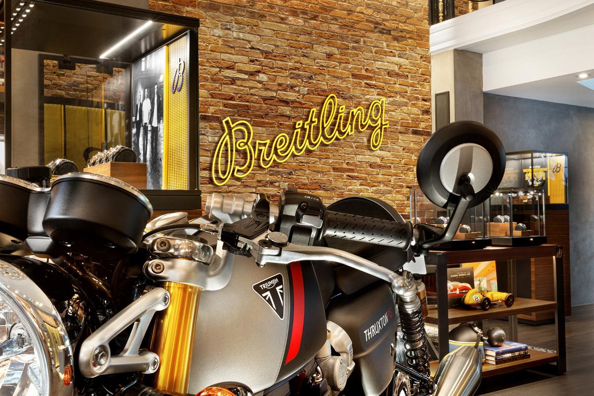 Triumph anuncia su colaboración con la relojera Breitling