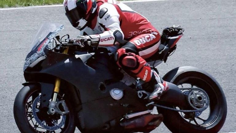 Posible Ducati V4