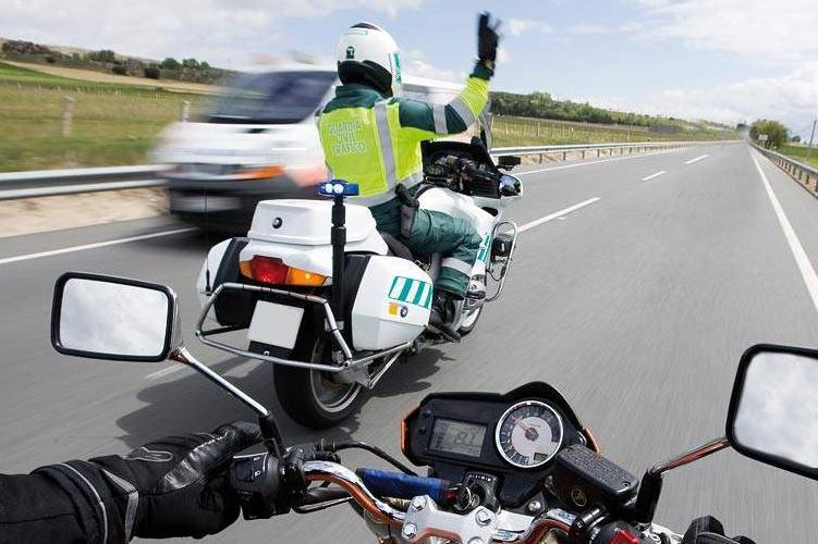 DGT campaña motos mayo 2017