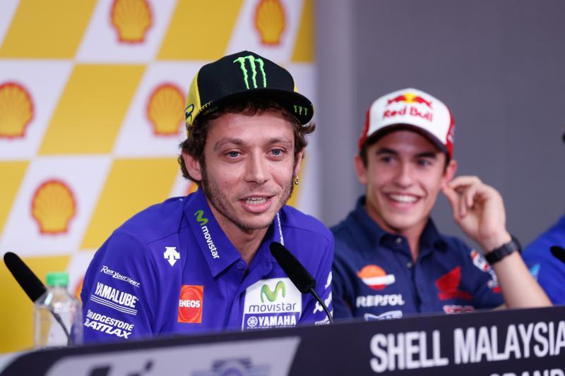 Valentino Rossi y Marc Márquez en la rueda de prensa de Sepang