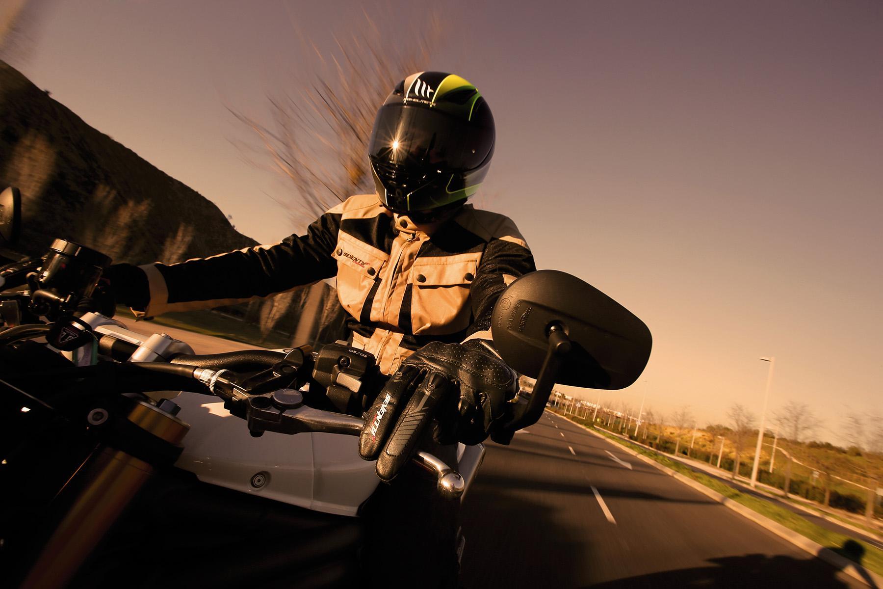 Seventy Degrees, equipamiento para motoristas