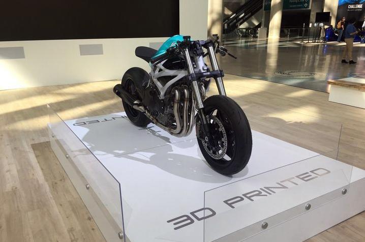 The Dagger moto con chasis impreso en 3d y motor H2R