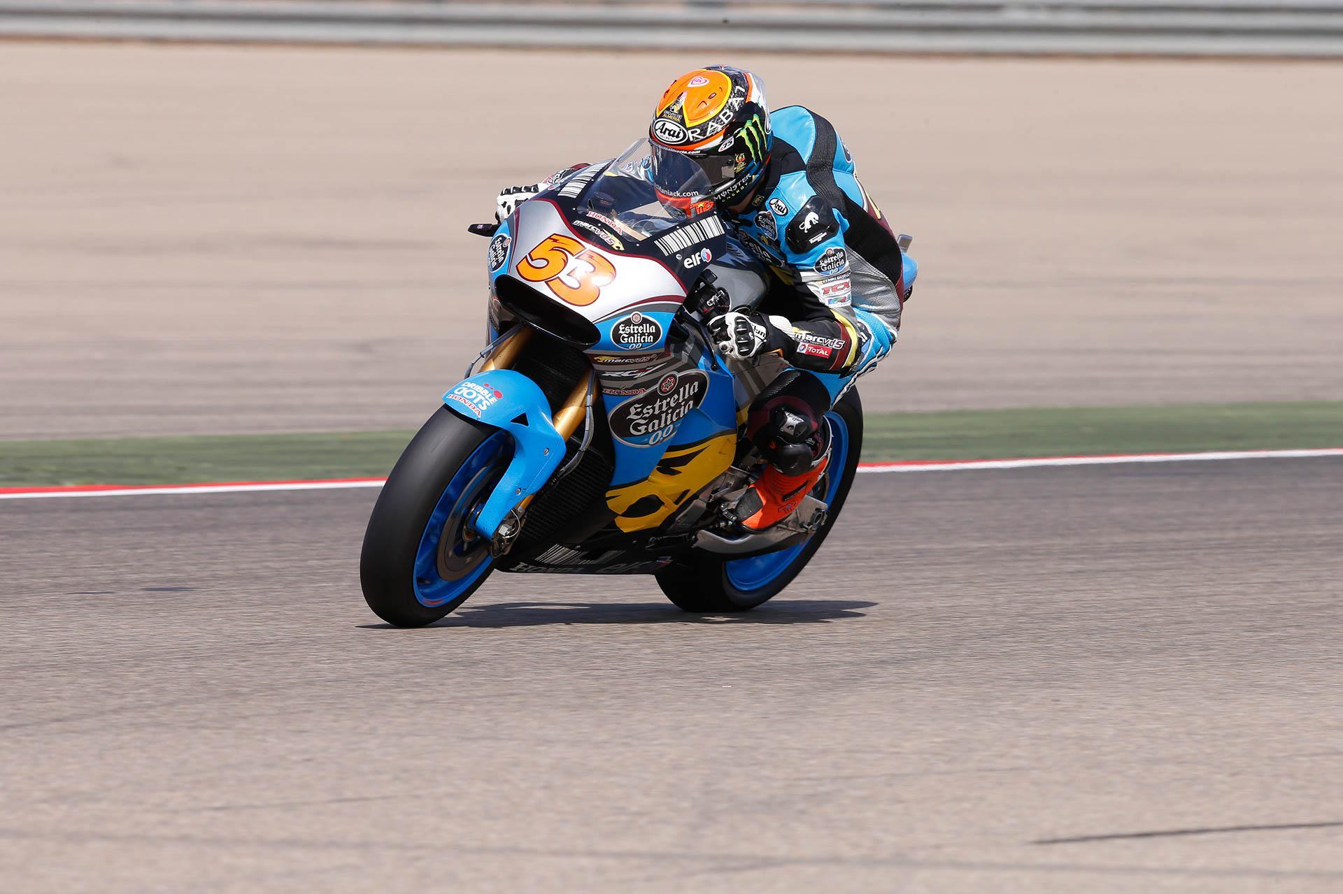 Tito Rabat probando la Honda de MotoGP en Motorland Aragón
