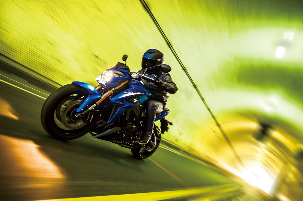 Suzuki GSX-S1000 y Suzuki GSX-S1000F 2015