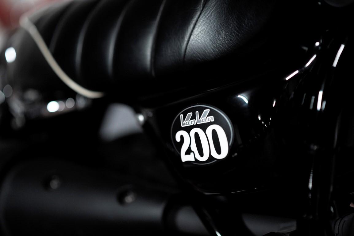Suzuki Van Van 200 asiento