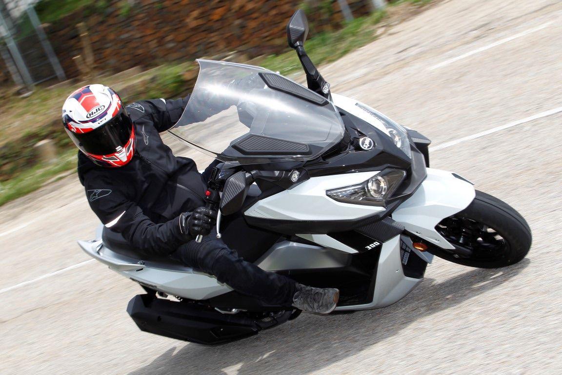 sym_cruisym_300i_scooter