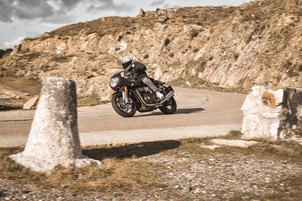 Triumph Thruxton RS 2021