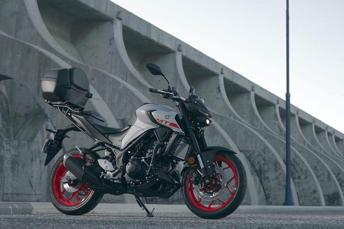 Yamaha MT 03 con Pack Sport