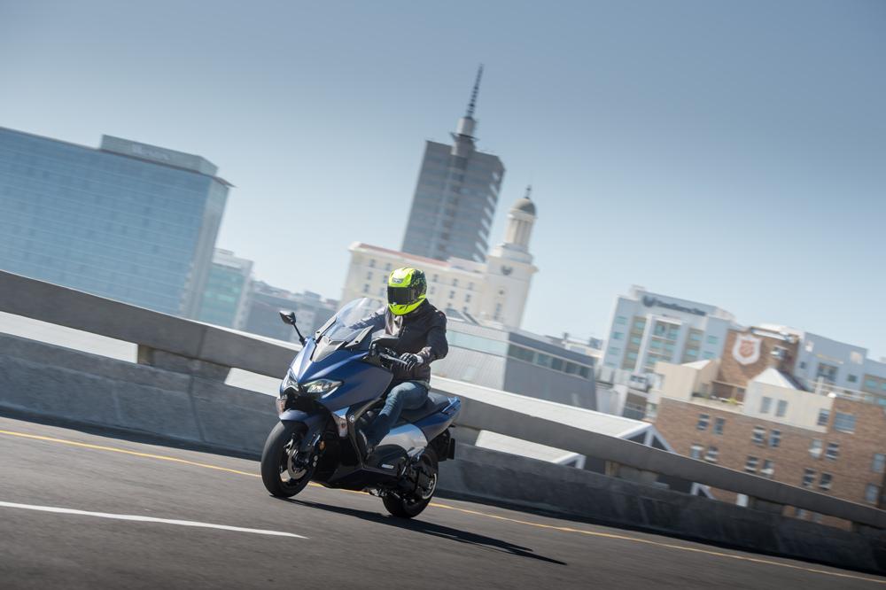 Prueba del Yamaha T Max 530 2017
